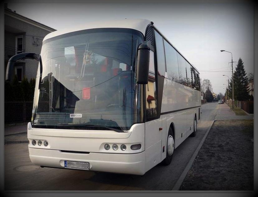 Biały Neoplan Transliner