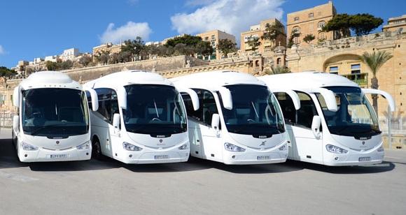 Autobusy na postoju w Egipcie